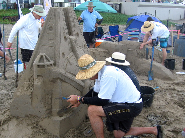 Han Solo is probably hoping this gifted sand artist can get the Millennium Falcon to jump to light speed.