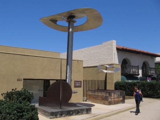 Large, unusual metal sculptures in front of the Tasende Gallery in La Jolla.