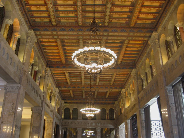 This astonishing ceiling impressed San Diego Trust and Savings Bank customers back in 1928, when it originally debuted.