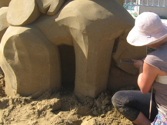The steady hand of a world-class sand artist.