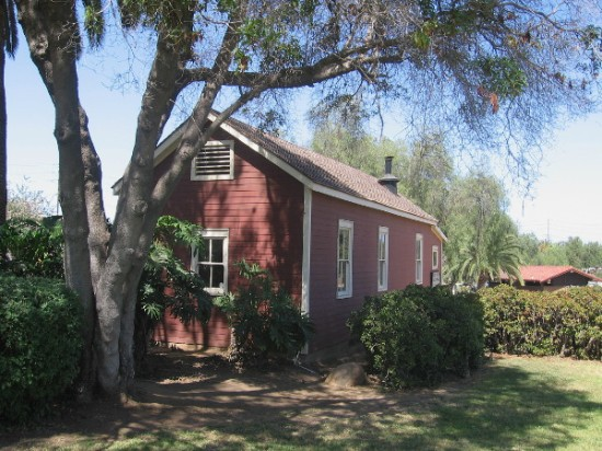 The Mason Street School was built in 1865, to provide education for the children of a sparsely populated San Diego.