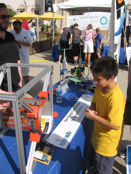 2015 Maker Faire in San Diego offers young and old a glimpse of what creators, dreamers and inventors are up to. Here we see some projects of San Diego City Robotics.