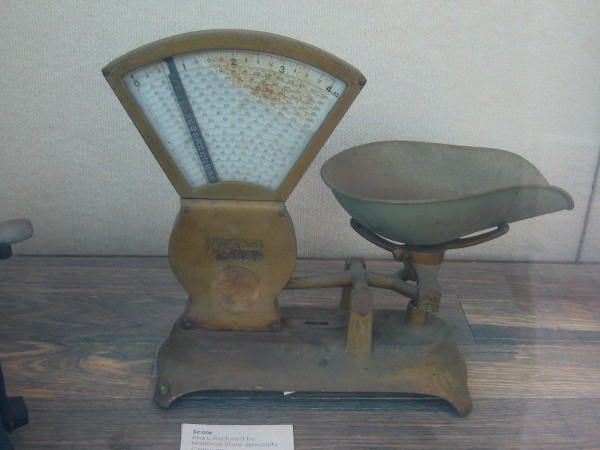 Scale manufactured by National Store Specialty Company, circa early 1900s.