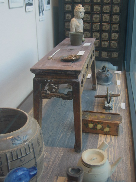 Beautiful, artistic and historically interesting objects from daily life long ago in Chinatown.