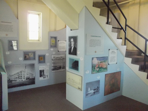 A room halfway up the tower. Numerous displays recall San Diego's history, most notably at the time when the Serra Museum was dedicated in 1929.
