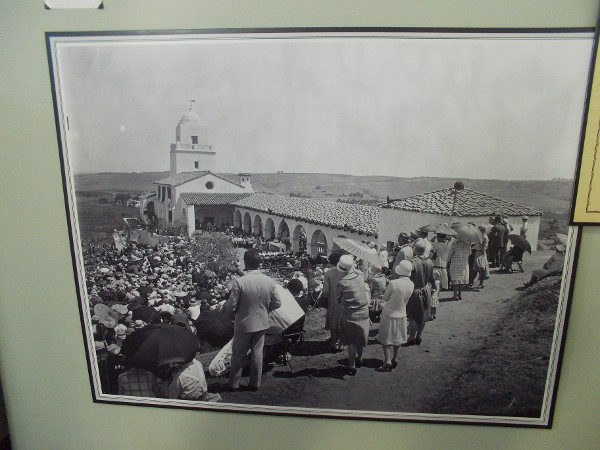 Old photo of the crowd attending the Serra Museum's dedication ceremony on July 16, 1929.