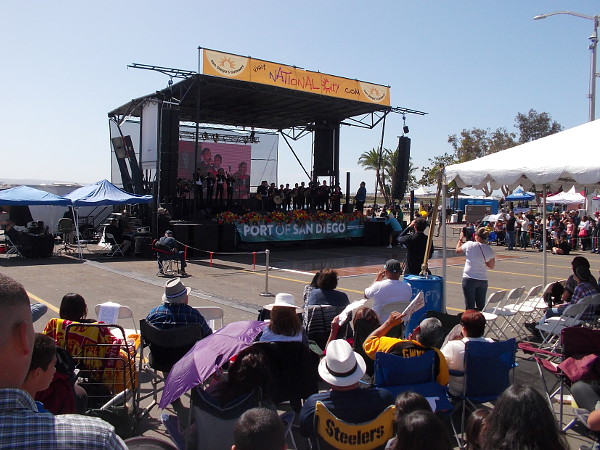 The grand stage drew the largest crowd. Many excellent Mariachi groups and baile folklorico dancers wowed the audience.