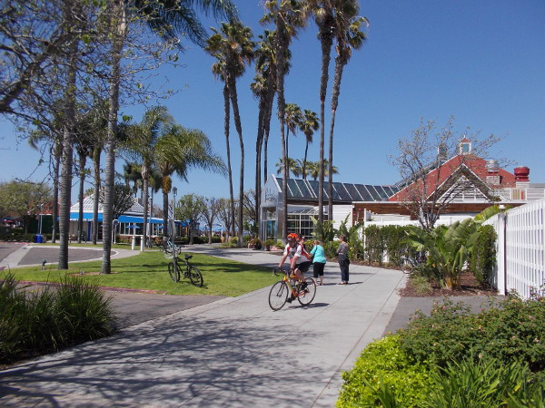 Now we're finally heading into the sunny Ferry Landing Marketplace.