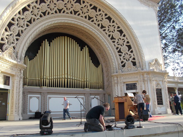 The historic 1915 Spreckels Organ in Balboa Park has regained the title of largest outdoor pipe organ in the world!