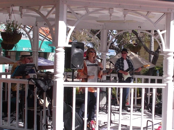 The Bayou Brothers, based in El Cajon, is a well known local band. Their infectious, toe-tapping music features accordion, keyboards, guitar, bass, and even rubboard!