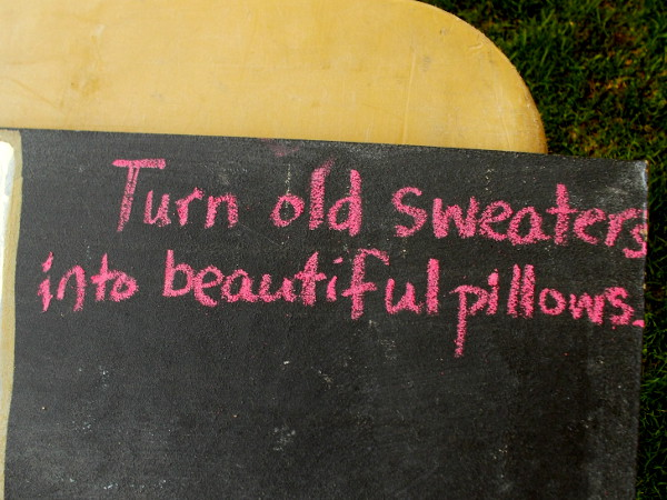 Turn old sweaters into beautiful pillows.