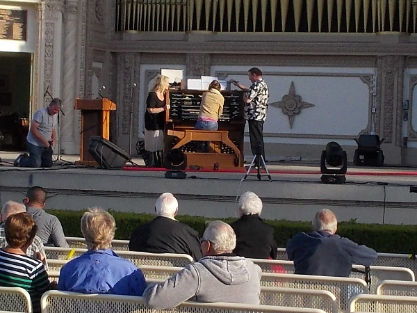 I paused to listen for a few minutes as concert organist Dr. Carol Williams and singer Diane Alexander, a soprano, practiced. It was beautiful music. Congratulations to the world-record Spreckels Organ!