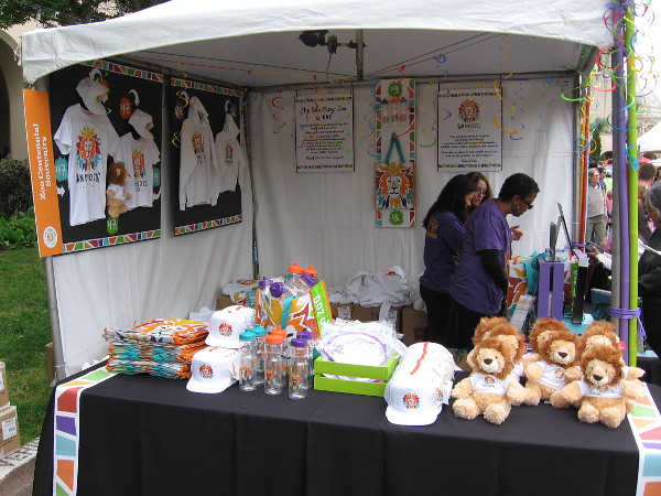 Lots of cool zoo gifts and fun commemorative stuff for sale, of course!