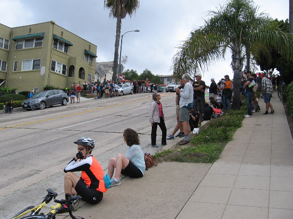 About half an hour before the racers were anticipated, lots of biking enthusiasts and onlookers were already lining the sidewalks.