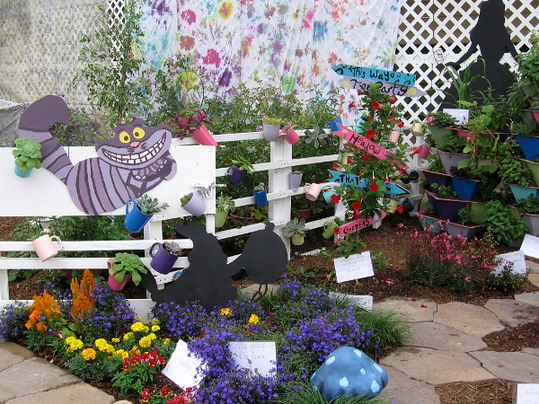 Another fun entry at the garden show. These gardens seem to contain many teacups and mushrooms.