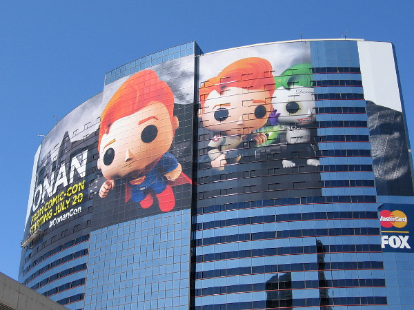 A cool new Conan O'Brien building wrap is going up on the Marriott Marquis for 2016 San Diego Comic-Con, even as the MLB All-Star Game wrap hasn't been completely removed!