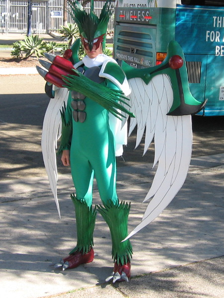 A fantastic cosplay of Elemental HERO Avian of Yu-Gi-Oh!