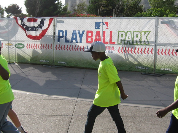 Baseball-loving kids converged today on PLAY BALL PARK in front of the Hilton San Diego Bayfront. They would enjoy a very special activity during Major League Baseball's All-Star Game Week!