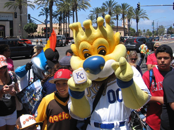 Sluggerrr poses for the camera!
