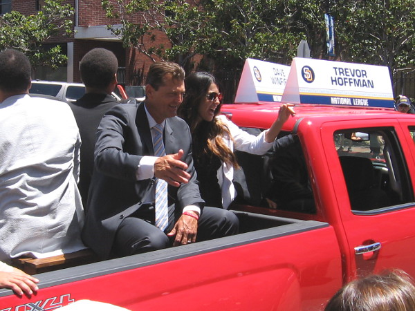 Suddenly the parade arrives! Here are the Grand Marshals, Padres legends Dave Winfield and Trevor Hoffman!