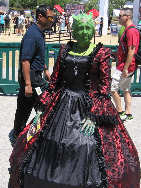 An excellent cosplay of Madame Vastra from Dr. Who.