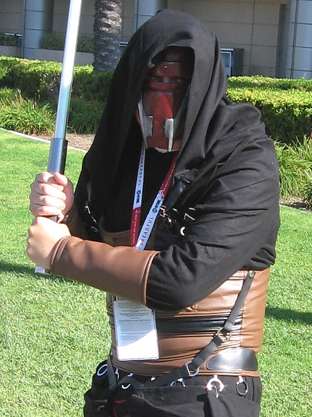 Cosplay of a sinister character from the Star Wars universe, Darth Revan.