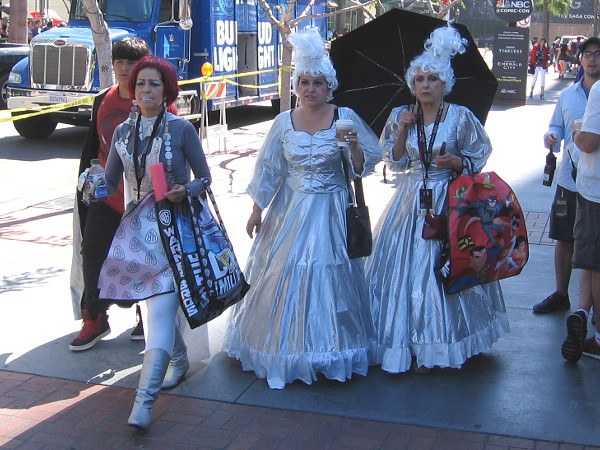 I learned these elegant ladies are the Clowns of the Galaxy, with their red-haired Robot. Never heard of them! Looks to me like they were simply having a great time at Comic-Con!
