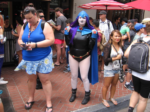 Cosplay of Raven of the Teen Titans.