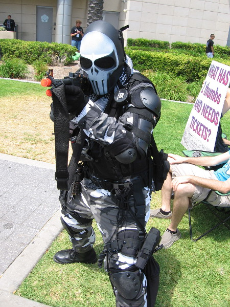 I was told this cosplay is Tyson Rios, of Army of Two.
