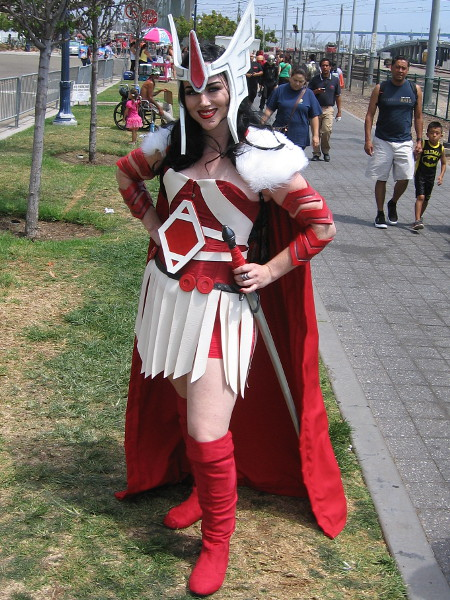Super good cosplay of Marvel's Lady Sif, Asgardian warrior. Looks like the Jack Kirby version.