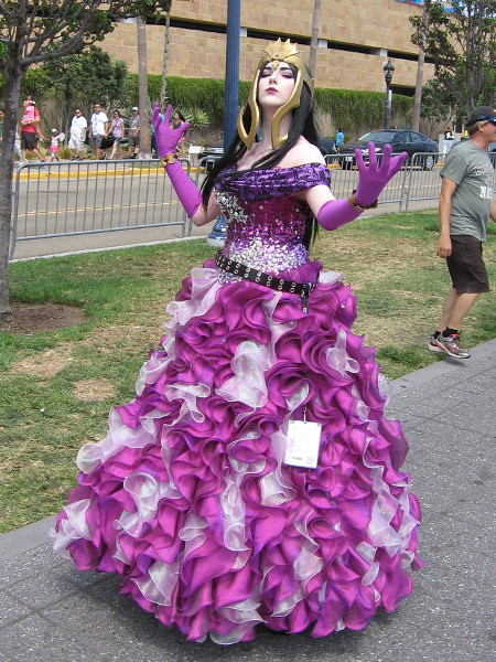 Cosplay of Liliana Vess, from Magic: The Gathering.