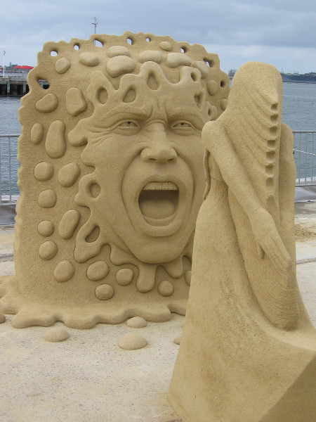 Another photo of the astonishing sand sculpture Yell.