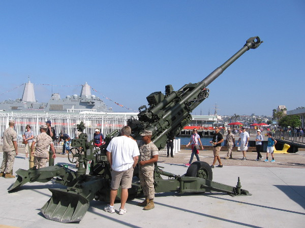 This enormous gun on San Diego's Embarcadero during 2016 Fleet Week is an M777A2 155MM Howitzer.