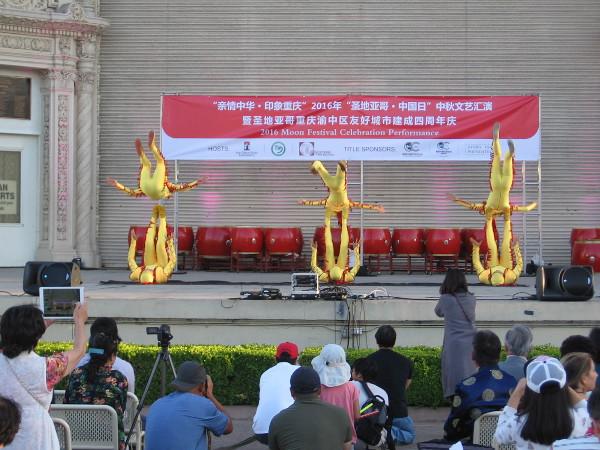 Followed by youthful Chinese acrobats!