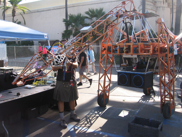The Electric Giraffe returned for 2016 Maker Faire San Diego. It walks, talks, and has become quite a phenomenon. It has even appeared at the White House!