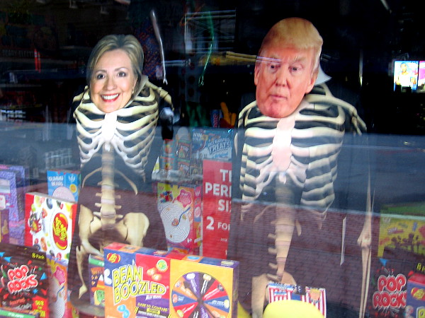 For Halloween, Hillary Clinton and Donald Trump have become skeletons in this store window. Does anyone need a costume? Trick or treat!