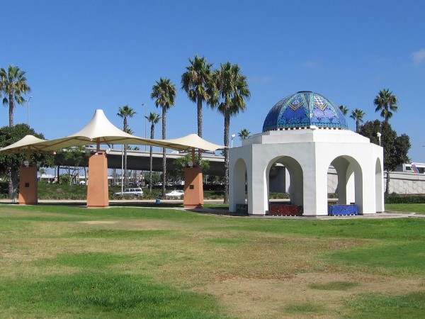 A quick photo of Cancer Survivors Park, on the east end of Spanish Landing Park. I've blogged about this special place a couple of times.
