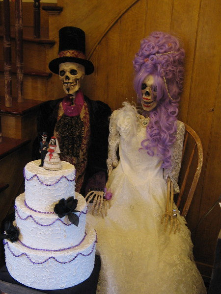 A wedding cake for a skeleton bride and groom! Día de los Muertos is a joyful holiday that celebrates past life.