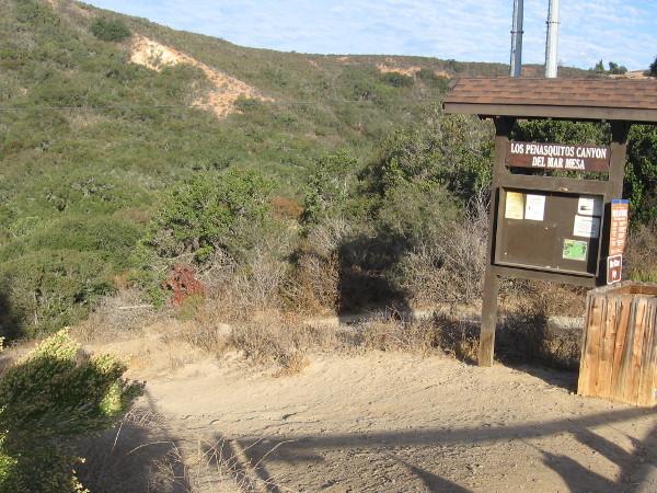 The Del Mar Mesa trailhead is located near suburban homes at the north edge of Los Peñasquitos Canyon.