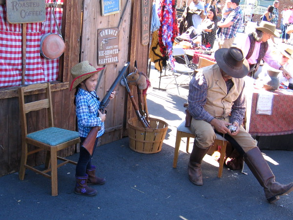 Families dressed in Old West attire had a lot of fun as photos were taken at the Fall Back Festival!