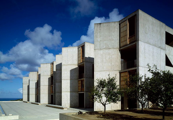 Salk Institute in La Jolla from the interior courtyard. (A cropped public domain photo from Wikimedia Commons.)