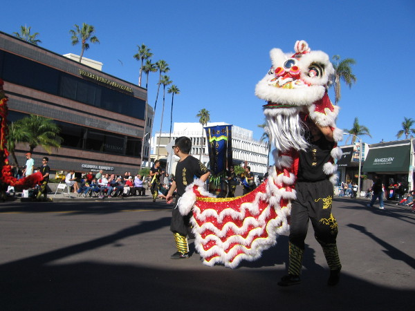 Pre-parade entertainment included some lion dancers coming down Prospect Street.