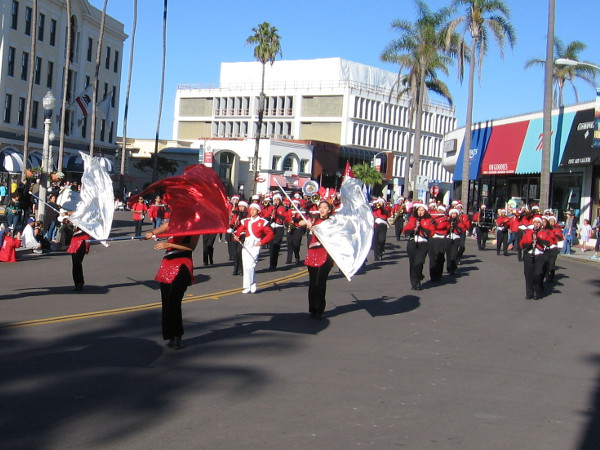 Here come the Sweetwater High School Red Devils!