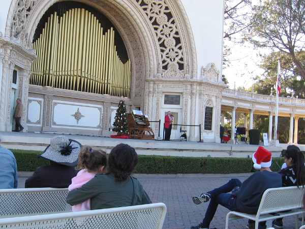 The free organ concert the Sunday before Christmas began with classical and unique organ music composed for Christmas.