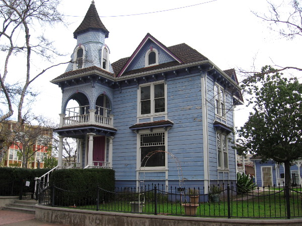The Steele-Blossom House, built in 1879, is used by the city of National City in its official logo. Elizur Steele was real estate agent for the Frank Kimball and his enterprising brothers.