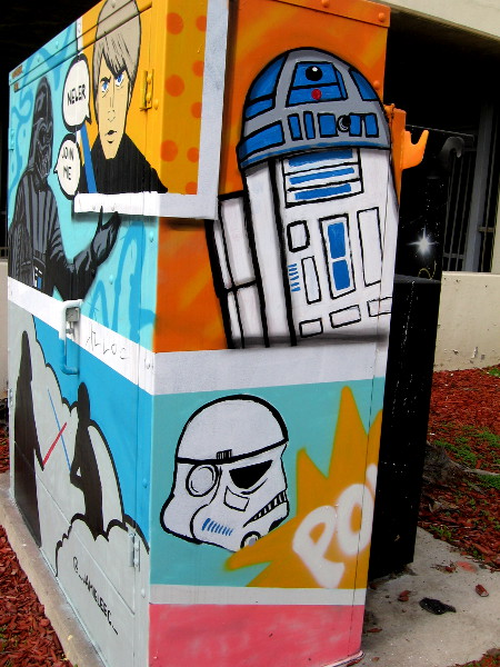The right side of this utility box is painted with two more panels of cool Star Wars street art. I see good old R2-D2 and the white helmet of a Stormtrooper.