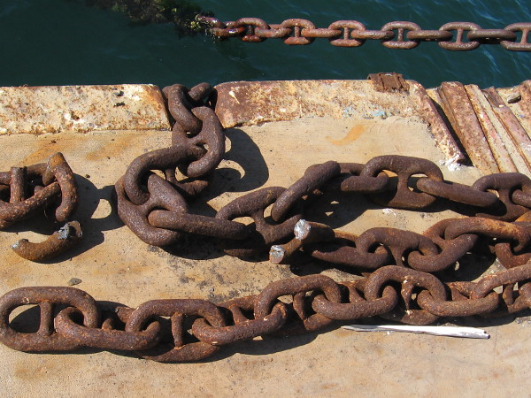 A broken chain at the Maritime Museum of San Diego.