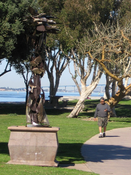 A second sculpture from an Urban Trees exhibition is also located at Bayside Park. This is San Diego Synergy, by Kent Kraber, 2007.