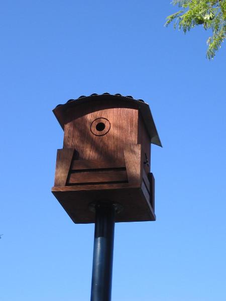 Anil'u. Birdhouse by artist Lilia Peji.