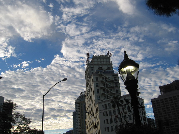 A street lamp is still on. Another fantastic morning in downtown San Diego for a pleasant walk.
